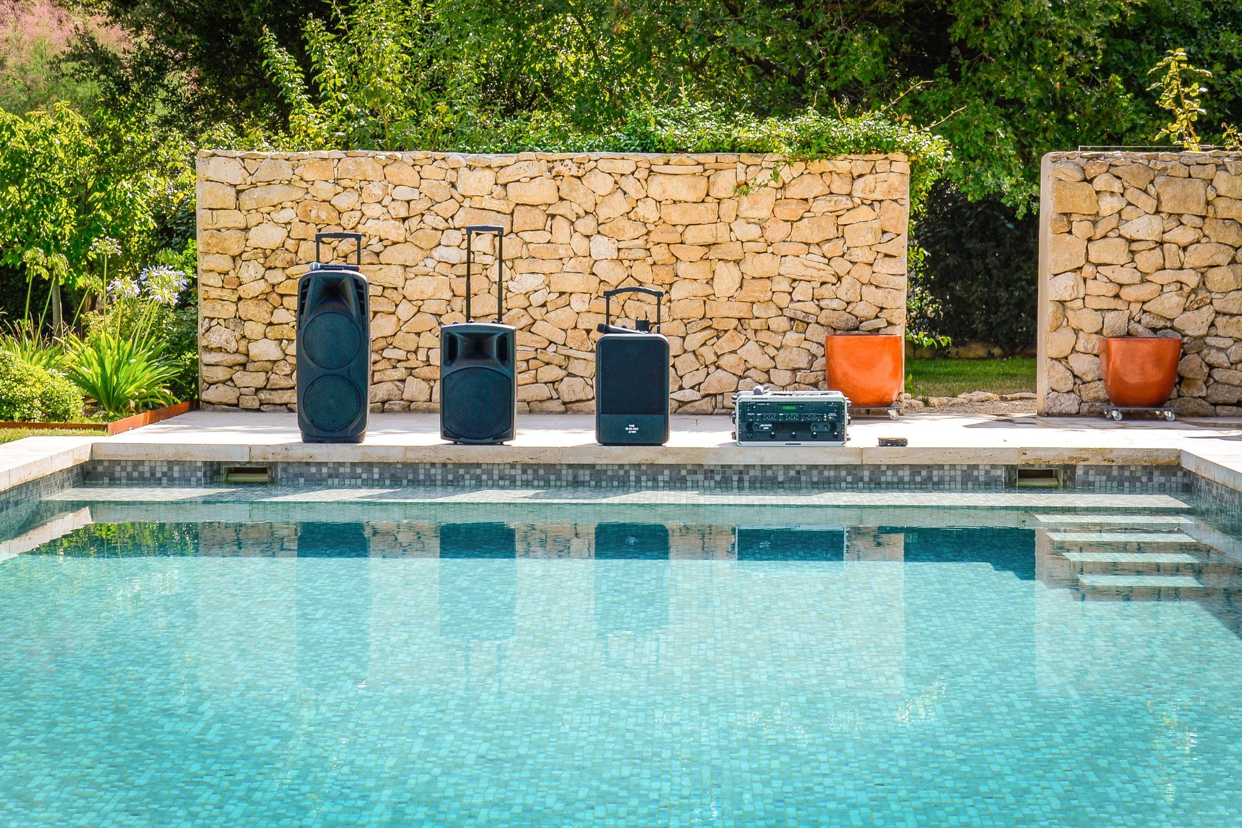 Fase : Restez chez vous… et montez le son dans votre piscine !