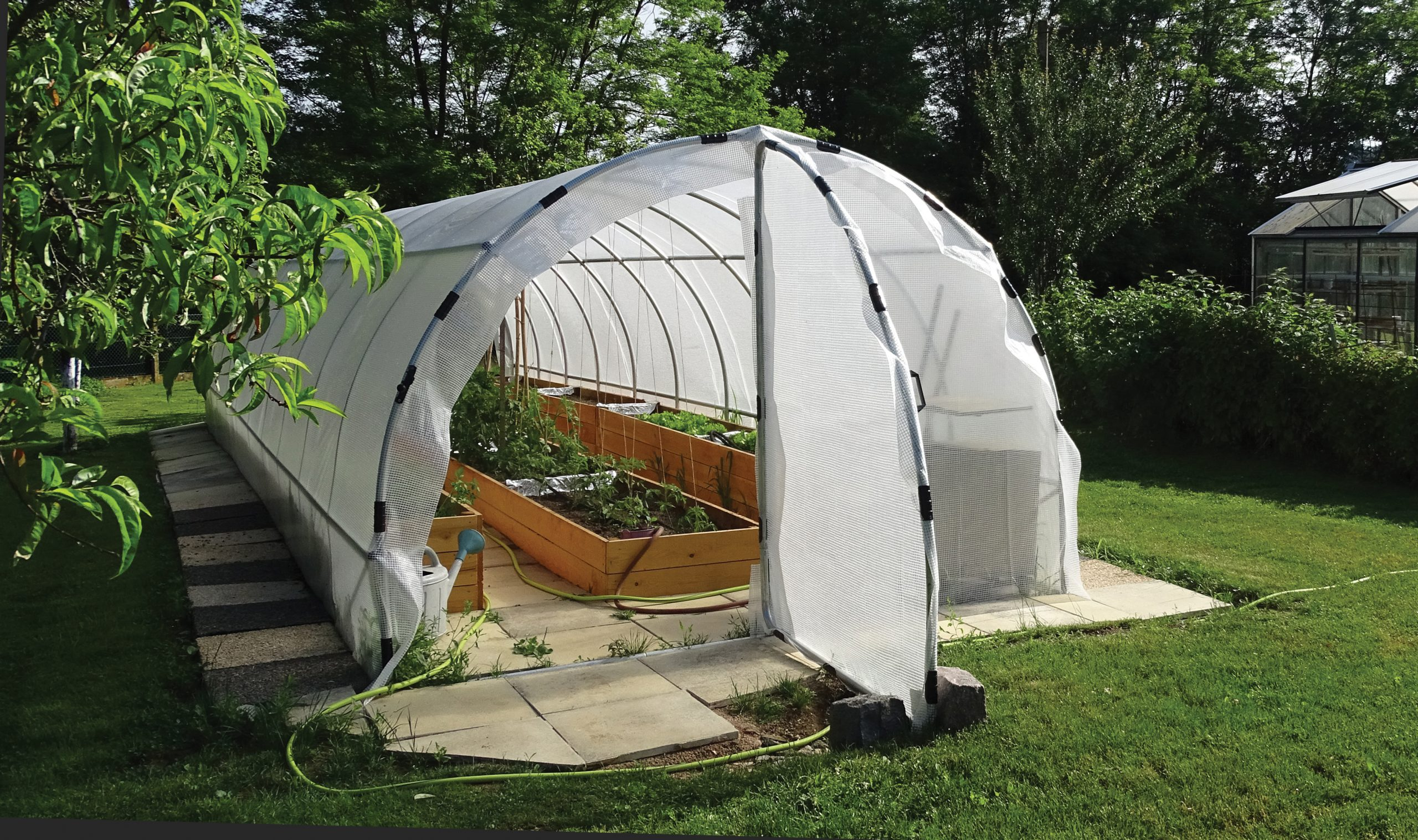 France Serres : Une serre de jardin pour profiter de légumes frais toute l'année!